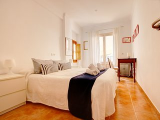 Spacious apartment in the center of Palma with Internet, Washing machine, Air co