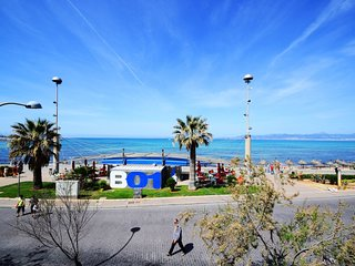 Spacious apartment right near the 'Playa de Palma' in Palma with Internet, Washi