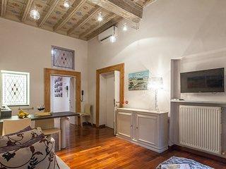 Roma Holiday Apartment 25781