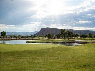 New Listing!  Stunning New Villa 7 Resort! Bloomington Country Club! Golf! Tenni