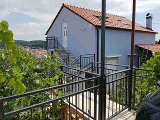 Two bedroom apartment Milna (Brač) (A-16003-a)