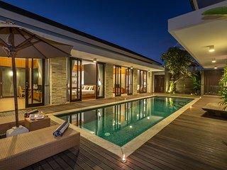 4BDR Pool Villa 10 mins drive to Bali Collection Nusa dua