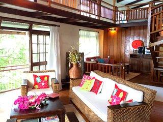 Haeremai Villa - Pirae / Tahiti - Pool & view - 5 bedrooms up to 15 persons