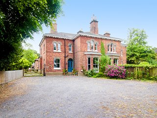 Beautiful 4 bed Victorian House