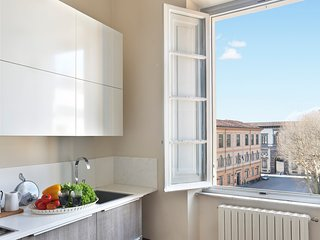 House Mariagioia. Panoramic flat in Giglio Square with lift and air-conditioning
