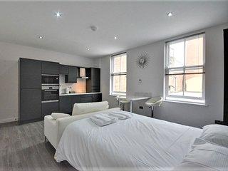 Crown Inn - Studio Apartment 1