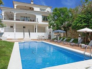 3 bedroom Villa in Fuengirola, Andalusia, Spain - 5700526