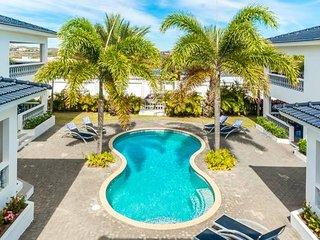 Palm Crest apt. Curacao || 2P Luxury | Patio #150d