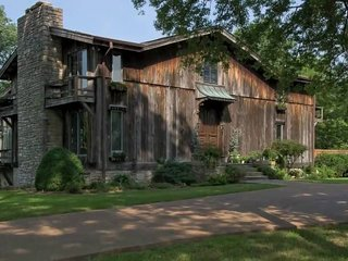 Iconic Rustic Retreat with Million Dollar View on 42 Acres