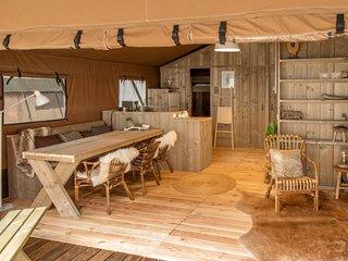Sequoia Lodge: tout confort, pleine nature et vue splendide, 10 min Lac Salagou