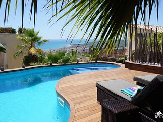 Stunning Villa Ibizenca with great views across Sitges and private pool