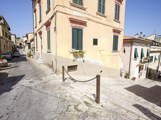 Two-room Piazza al Fico in center - Two-room Piazza al Fico in the historic cent