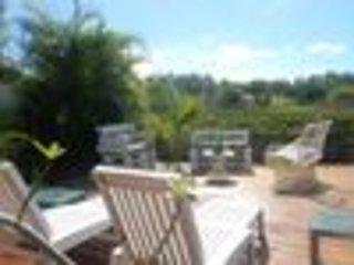 Caribgîtes, location studio et bungalow indépendant, pour 2 ou 4 personnes, vacation rental in Guadeloupe