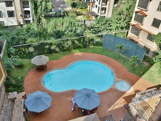 The PINE LUSH- SECURE & SPACIOUS! Private Room:S -2 MIN drive to SARIT CENTRE