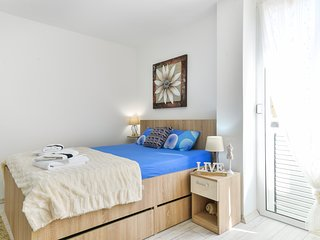 Old Town Modern Apartment DS