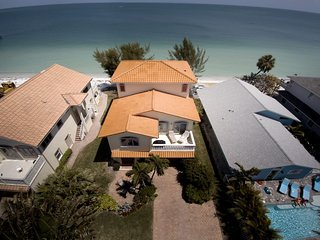 Directly on the beach  New construction with beautiful views and beach front