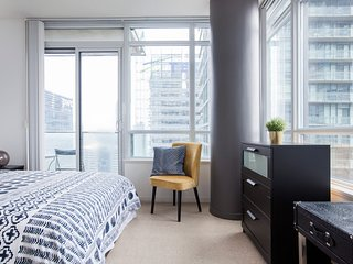 Natural Light and Sweeping City Views in Downtown Toronto
