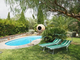 House with pool, garden 15 min to Rome center by train €1,50