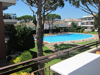 Calella de Palafrugell Apartment Sleeps 4 with Pool - 5246962
