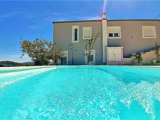 Holiday House app Nanara  with pool; Trogir-Marina