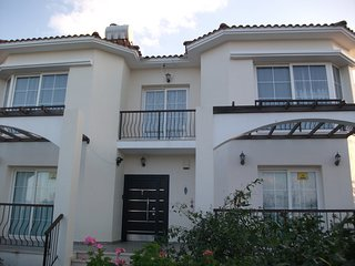 3 Bedroom fully equiped villa with private pool and Free WIFI