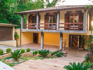 Refúgio Verde, casa em Cotia condomínio fechado,numa reserva da mata Atalântica.