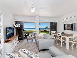 Seashells - Fully renovated and absolute beachfront!