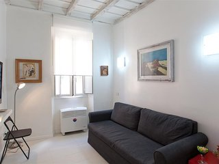 Beato Angelico 1260 apartment in Centro Storico with air conditioning.
