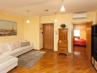San Lorenzo in Lucina 2126 apartment in Piazza di Spagna South with air conditio