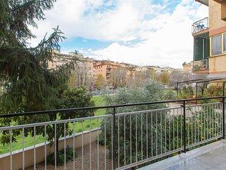 Cesari 2196 apartment in Monteverde with air conditioning & balcony.