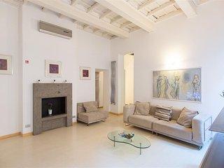 Spacious Purificazione Hi-Tech ... 1178 apartment in Via Veneto with air conditi