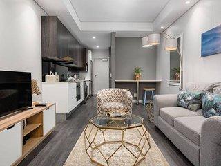 The Sentinel 710 - Studio Apartment