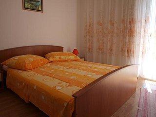 Lopar Apartment Sleeps 4 with Air Con - 5764479