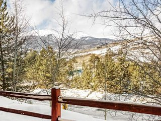 NEW LISTING! Newly Renovated Condo with Large Kitchen and Beautiful Mountain Vie