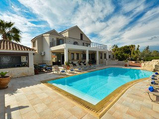 Ekalie Mansion, 5 Bedroom private villa with pool and huge garden