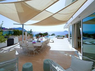 Kalkan Villa Sleeps 8 with Pool and Air Con - 5433216