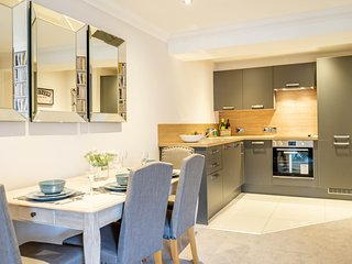 10 London Mews- Brand New 2 bed apartment with parking!