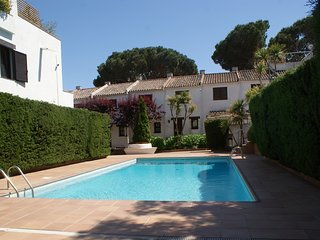 BEAUTIFUL APARTMENT IN TORREVALENTINA WITH COMMUNITY POOL