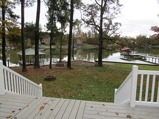 NEW LISTING! 'ALL DECKED OUT' 5 br 4 ba lakefront home-all new decor