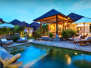 Bali villa for 6 - beach side, pool, garden, open dining - OVO Network