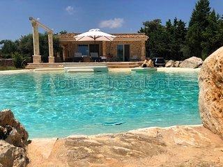 H203 - Villa con Vista Mare e Piscina