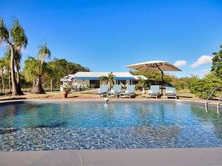 Villa avec piscine vue mer et acces plage