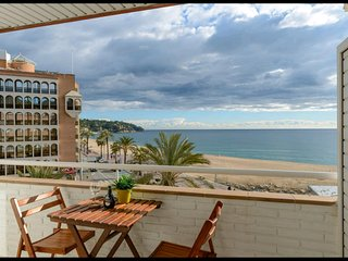 SEA BEACH FREE PARKING VIEWS, APARTMENT 100% IDEAL FAMILIES AND COUPLES