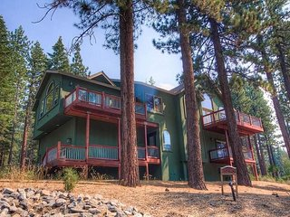 Luxury Mountain Home Right Off Pioneer Trail!  Close to Heavenly and Casinos!