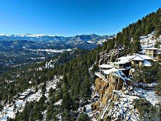 8 BR, 8500 Sq Ft Luxury Estate, on a 32-acre Mountaintop, 100+ Mile Views