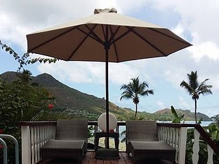 Sea View Lodge  Superior Villa 1 bedroom villa with sea view and  swimmimg pool, Ferienwohnung in Praslin