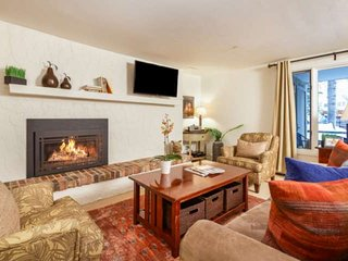 Aspen Mountain Gondola, Shops & Restaurants Just 3 Blocks Away. Gas Fireplace, P