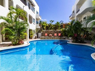 ★High-End Condo, Ideal Location Near the Beach!★