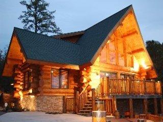 Gatlinburg Panoramic Views Aspen Style Log Home