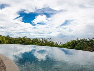Spacious Villa + Private Infinity Pool | Gorgeous Ocean Views